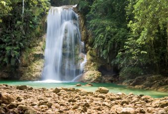 Samana - vodopády El Limon a ostrov Bacardi